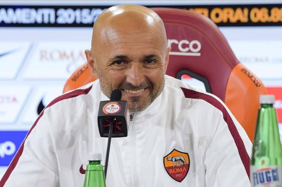 61f9e85aa9 ... della Roma al secondo posto: i giallorossi hanno soltanto due punti di  distacco dal Napoli di Sarri e domani affronteranno il Chievo all'Olimpico.