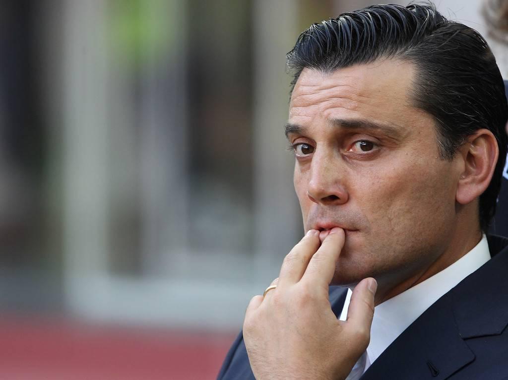 Milan, Montella prepara la difesa a 3